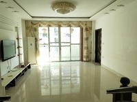 九五医院附近,皇庭水岸隔壁浅水湾荔苑中层三房,带自住装修。