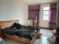 出售骏乘华府旁边码头小区3室2厅2卫160平米55万住宅